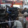 Caos quando a Imprensa de Londres informa sobre um possível carro-bomba.