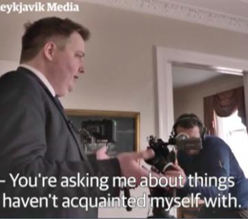 O Primeiro Ministro  da Islândia abandona uma entrevista na TV Sueca